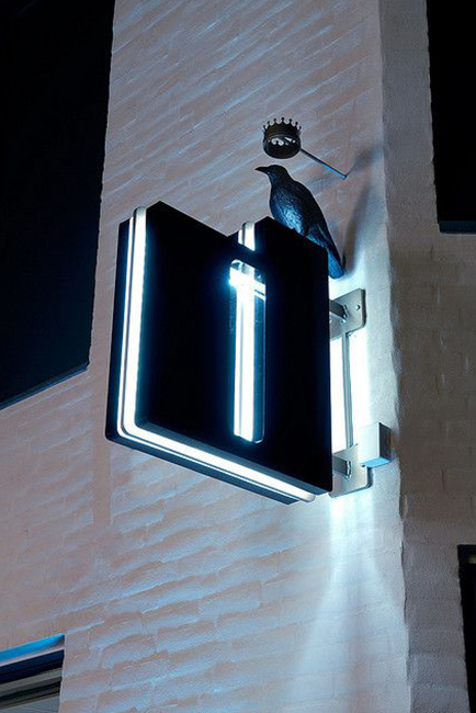 Projecting_Sign_Example-004
